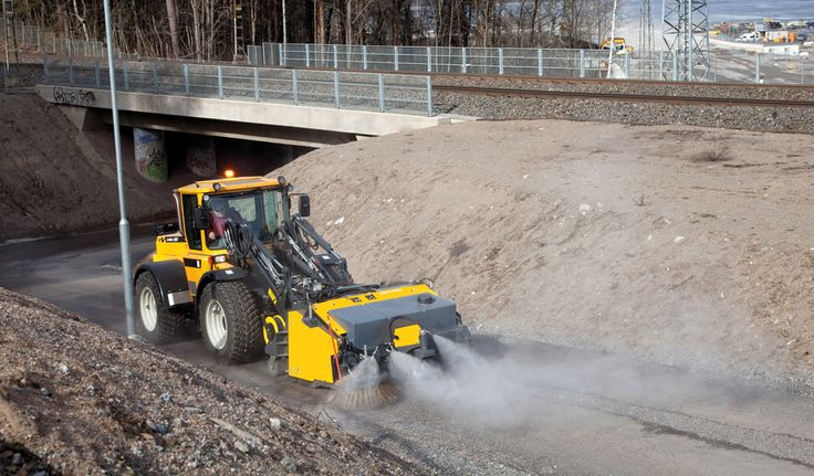 #Lundberg 6220 - #Hydraulic make it possible to add #versatile and #powerful attachments.