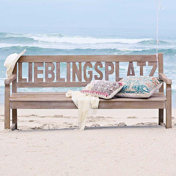 Egal ob am Strand, im Garten oder auf dem Balkon: Wo diese Bank steht, das wird Dein neuer Lieblingsplatz. Und wo ist Dein Lieblingsplatz?