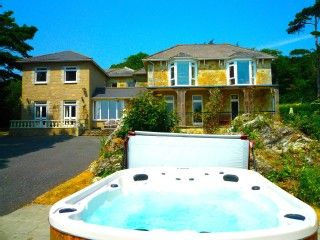 MANOR+ON+COAST+WITH+SWIMMING+POOL,+HOT+TUB,+BIG+GAMES+ROOM+++BAR,+SEA+VIEWS+++Holiday Rental in Isle of Wight from @HomeAwayUK #holiday #rental #travel #homeaway
