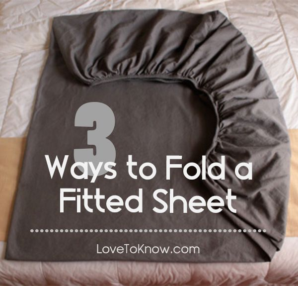 No more bundling it up in a ball and blaming it on your husband ... sorry! Check out these three easy ways to fold a fitted sheet.