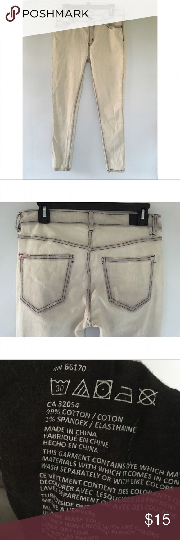 BDG Easy Rider jeans white jeans with blue faded retailing | worn a handful of times | good condition BDG Jeans Skinny