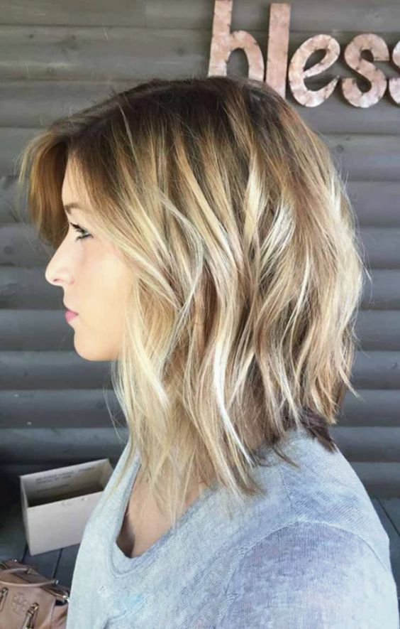 here are 9 Super Cute Medium Length Hairstyles And Haircuts For Women. No matter how you wear your dresses, medium length hair gives you great styling options and you will know it from here. #hairstraightenerbeauty #MediumLengthHairstylesforwomen #MediumLengthHairstylesforthickhair #MediumLengthHairstyleswithbangs #MediumLengthHairstylesforfinehair