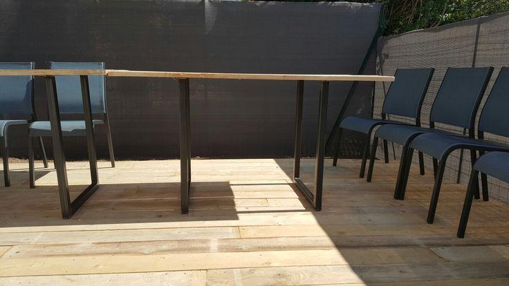 table pied metal et planche coffrage