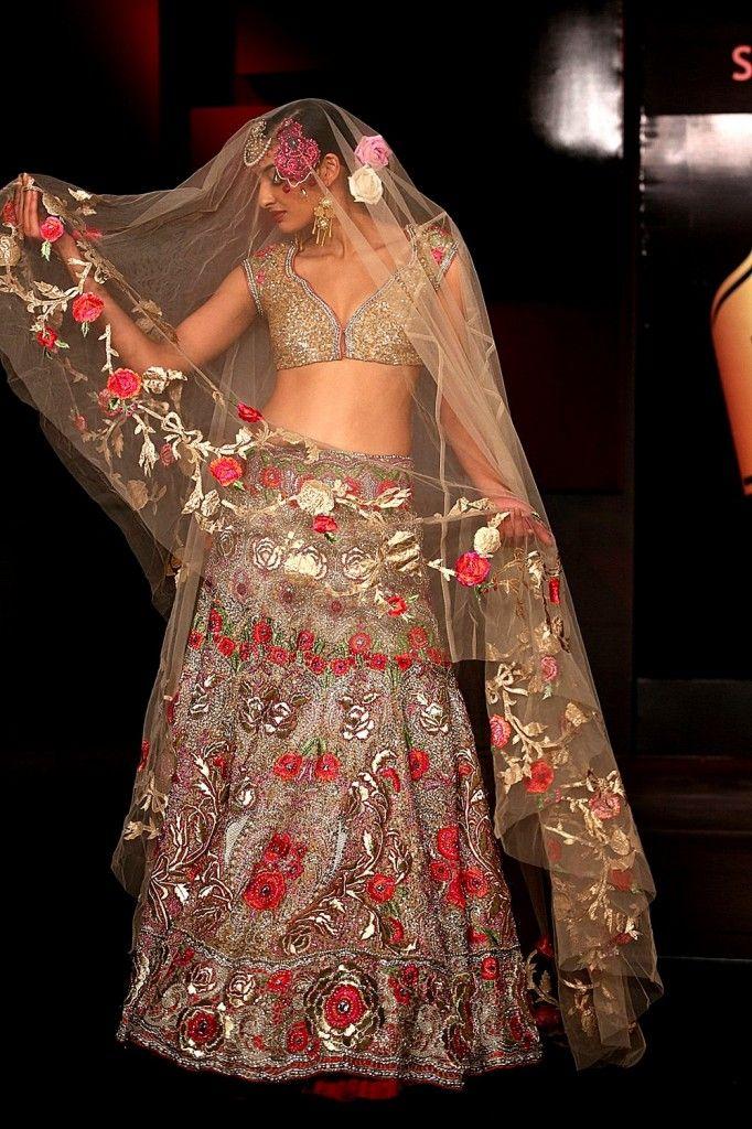 Suneet Varma http://www.SuneetVarma.in/ at 'Blenders Pride Fashion Tour' (Nov) 2013, Gurgaon