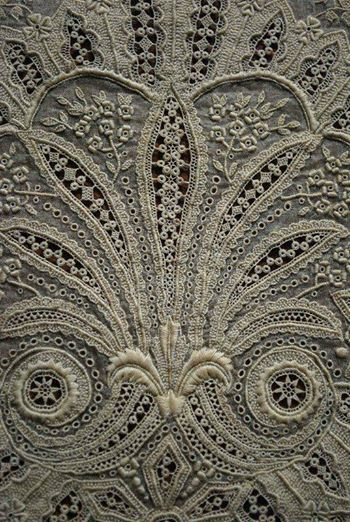 French whitework | Photo: Early Fine French White Work Scarf~