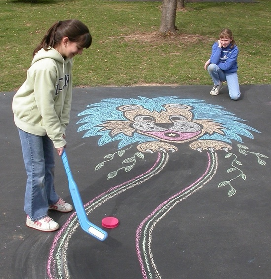 Mini golf course using sidewalk chalk