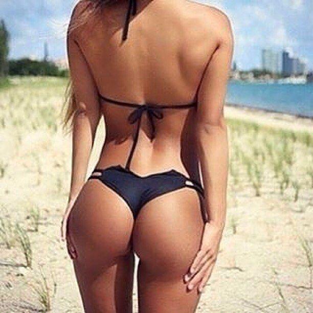 sexy tan gym girl booty