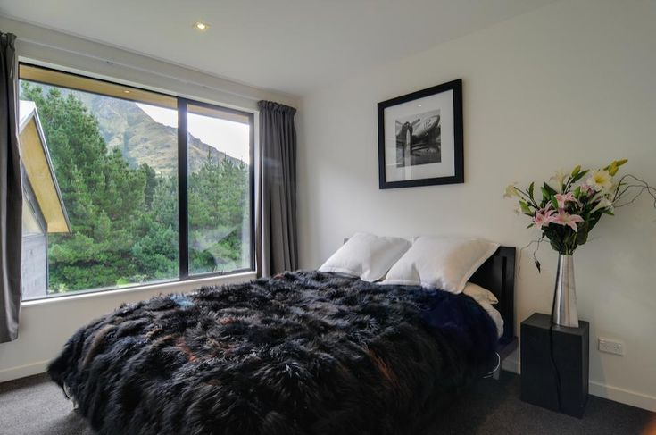 Arthur's Point House   Guest Room Interior Design, Small Space Bedroom   NZ Homes   Build me.   www.buildme.co.nz  