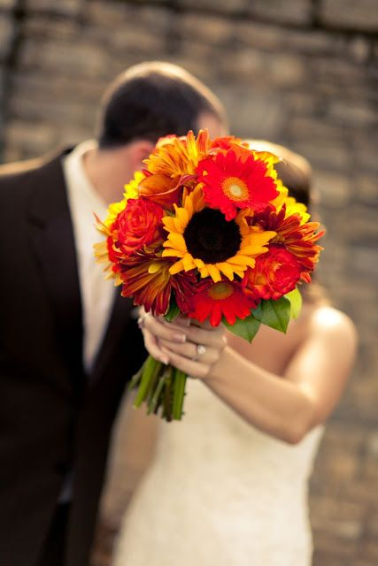Rustic Sunflower Bouquet | Fall Wedding Bouquets | http://beautiful-bridal.blogspot.com/2011/05/fall-silk-wedding-bouquets.html