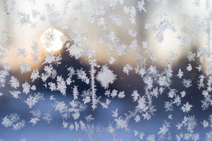 http://starbox.fi/niittykukkia/lumen-taikaa  Frost