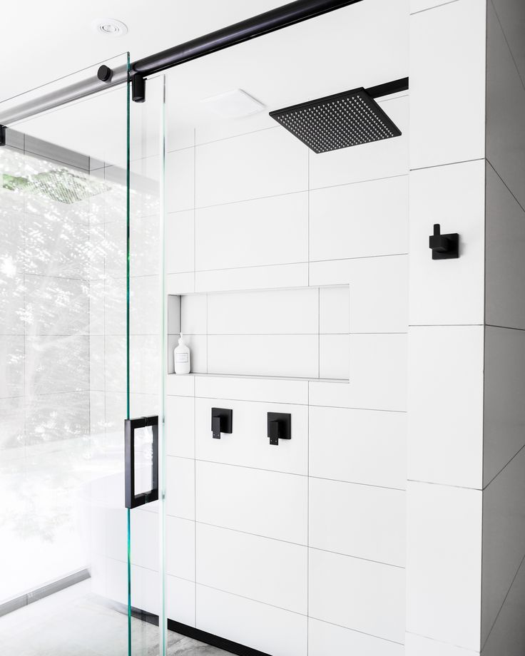 Experience full body coverage like no other with Meir's latest 300mm shower heads . #Meir #MeirAustralia #MeirBlack