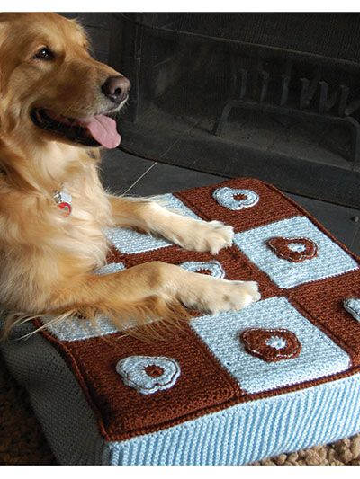 Free Crochet Pattern Download -- This Flowers & Checks Pet Bed, designed by Drew Emborsky, is featured in episode 7, season 1 of Knit and Crochet Now! TV. Learn more here: https://www.anniescatalog.com/knitandcrochetnow/patterns/detail.html?pattern_id=144&series=2