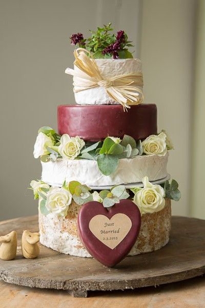 wedding cake board ideas best 25 cheese wedding cakes ideas on wedding 22032