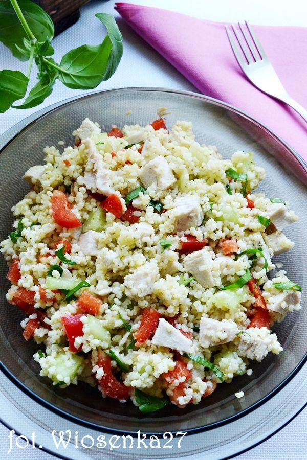 salatka z kaszy jaglanej, papryki, ogorka (i kurczaka)