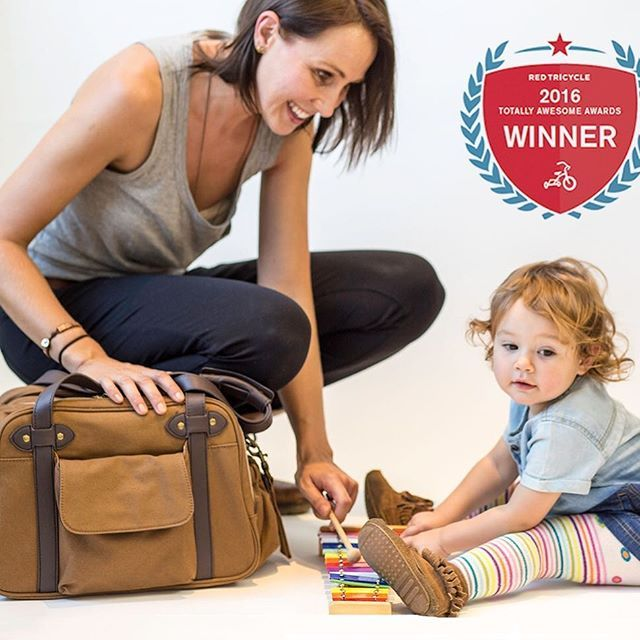 We're so proud, humbled, and excited to have won a Red Tricycle Award for Best Diaper Bag over some pretty stiff competition! Thank you so much for your votes - we couldn't have done it without our supporters !