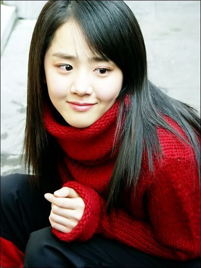 Moon-Geun-Young, star of A Tale Of Two Sisters (as younger sister Su-Yeon) and My Little Bride.