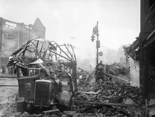 AIR RAID DAMAGE IN THE UNITED KINGDOM 1939-1945 | Imperial War Museums