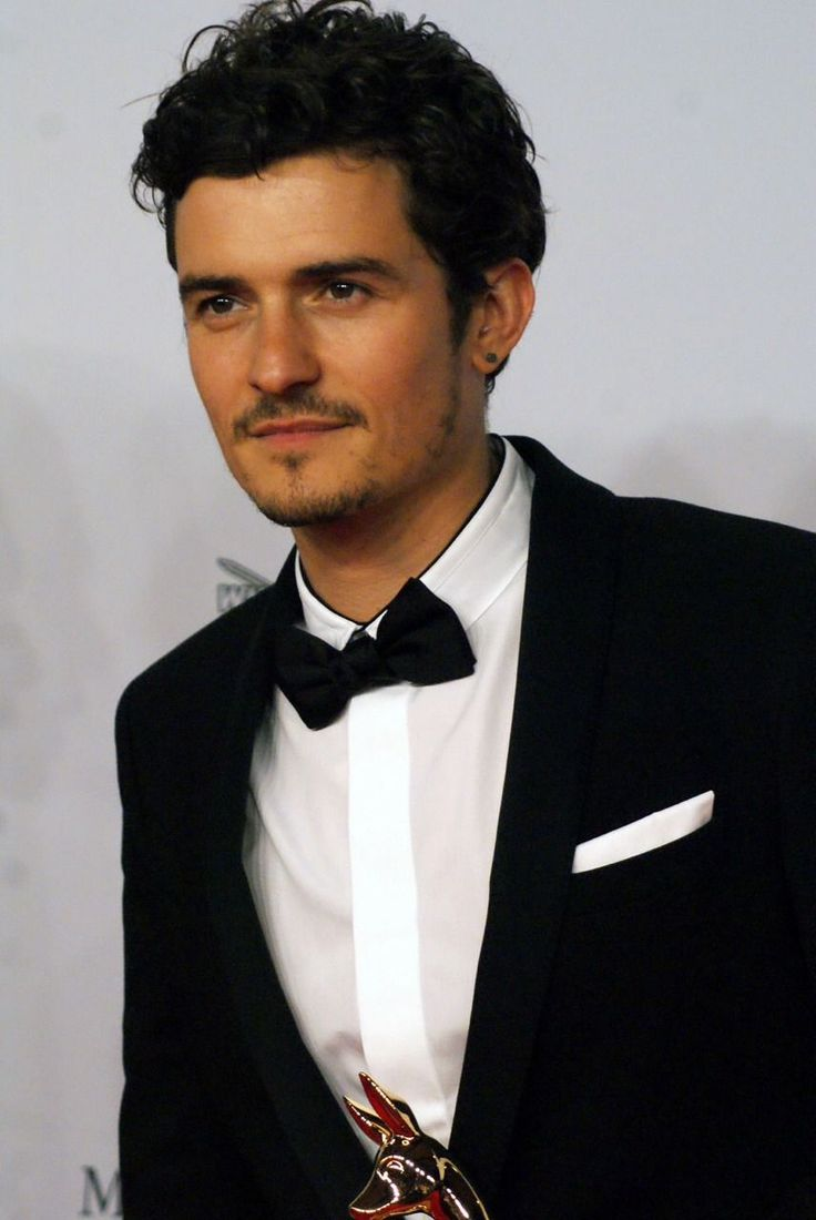 Orlando Bloom Videos at ABC News Video Archive at abcnews.com