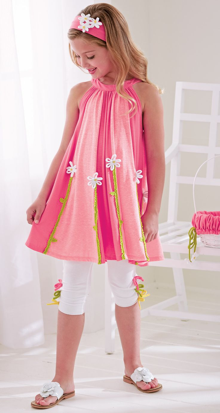 From CWDkids: Daisy Tunic, Bow Capris, & Easter Basket.