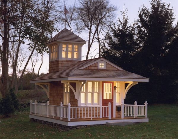 cabane de jardin pour enfant, jolie maison, design aristocratique
