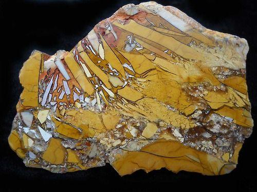 brecciated mookaite western australia gems mineral