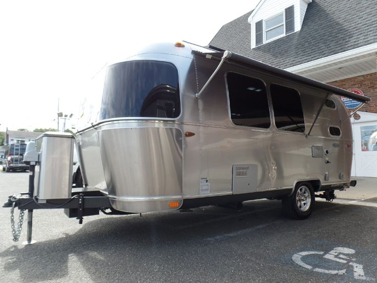 "2016 Airstream Flying Cloud 20C 20'10"" Bambi $55K"