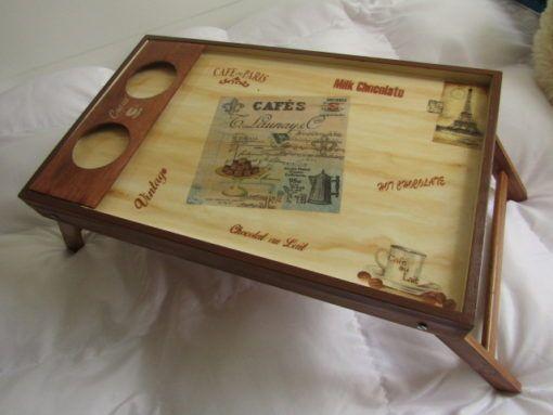Bandeja de Cama con patas, hecha a mano, decorada a mano, estilo Vintage. Mesa para tomar el desayuno en la comodidad de tu habitación o lugar preferido, útil y decorativa. Breakfast tray