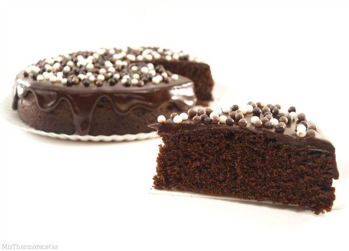 Bizcocho de galletas y chocolate, en el microondas