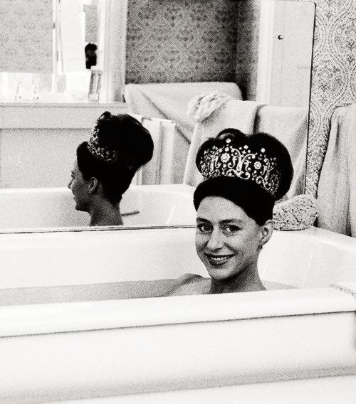 Princess Margaret In Bathtub >> 51 best Photography by Lord Snowdon images on Pinterest   Princess margaret, Princesses and ...
