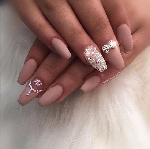 P Nтereѕт Jen мar Ee ♡ Nails Fun Nails Rhinestone Nails