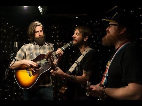 simplemente hermoso! :) .... Band Of Horses - Full Performance (Live on KEXP)