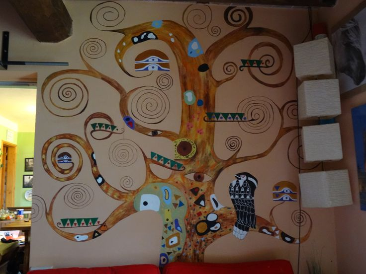 The tree of life by Gustav Klimt revisited by me. Painted on a wall using acrylic colors.