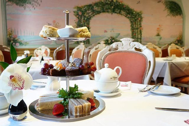 4* Afternoon Tea & Prosecco for 2, 4 or 6, Hyde Park