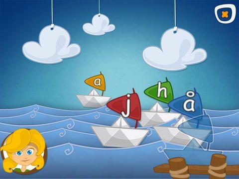Læserejsen er udviklet til at støtte den første læseindlæring i 0. klasse. Appen er gratis. Man skal i denne bane finde et bogstav. Når dette er prøvet mange gange får man lov til at komme til næste bane.
