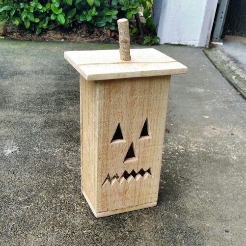 Pallet jack o lantern