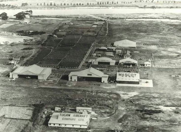 Mascot Aerodrome in the 1930s,which would become Kingsford-Smith International Airport/Mascot Airport in Sydney.