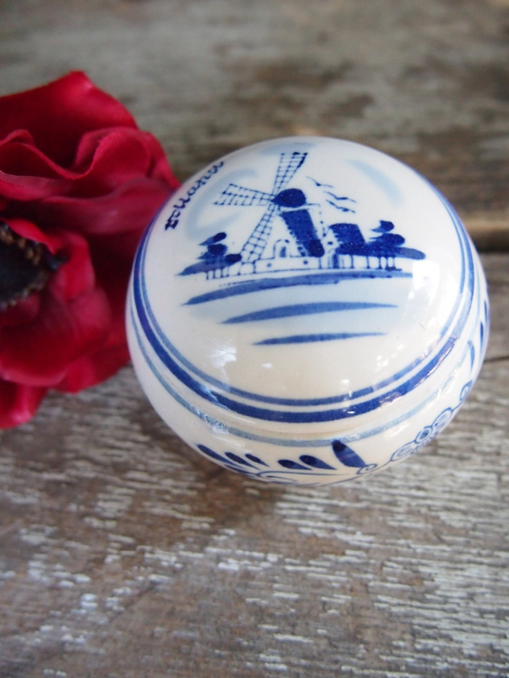 Holland Delft Hand Painted Dish With Lid Trinket Jewelry Box With Windmill Hand Painted