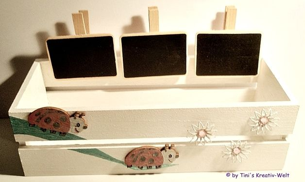 deko blumenkasten f r die fensterbank. Black Bedroom Furniture Sets. Home Design Ideas