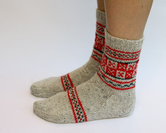 hand knit socks by happylaika-more Fair Isle style-love these.