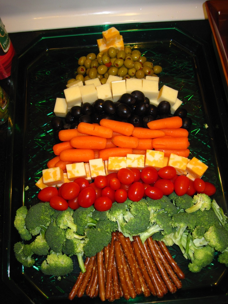 "#Veggie Tray- **We are LOVING these decorative, fun & #healthy Holiday trays we are seeing!! Just add ""Feel Good Ranch"" #Saladshots for a low-fat, low-calorie way to keep it light! www.Saladshots.com"