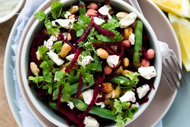 Beetroot, green bean and chickpea salad – Recipes – Bite