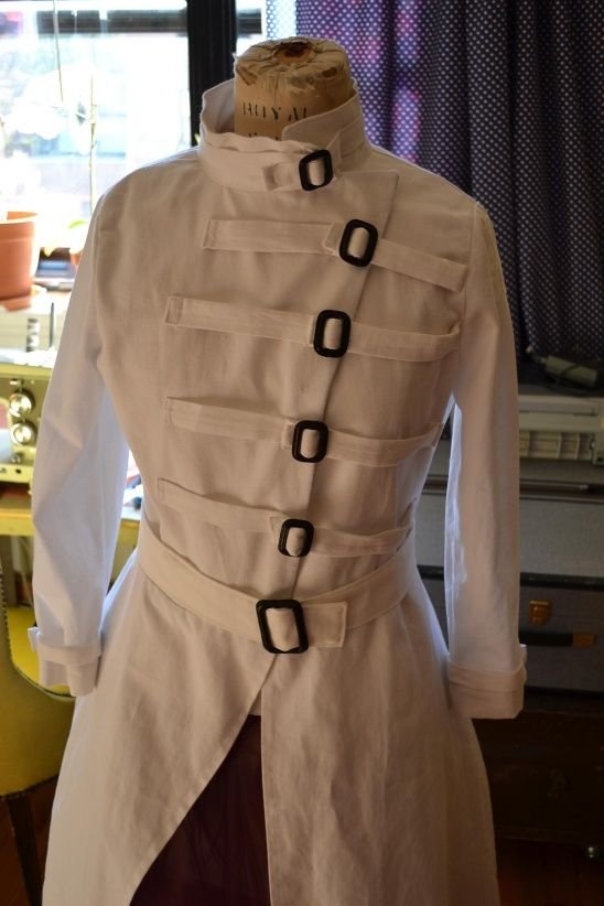 Custom Mad Scientist Labcoat by Desira Pesta | Project | Sewing / Outerwear | Costumes | Kollabora
