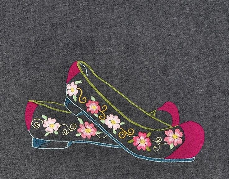 "192 Likes, 12 Comments - 꿈소 embroidery (@ggoomso) on Instagram: ""#야생화자수 #꽃신 #꿈소 #꿈을짓는바느질공작소 #embroidery #flowershoes"""