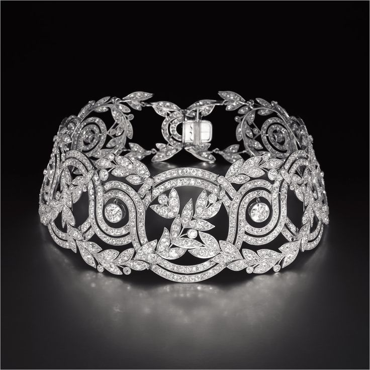 EXQUISITE ANTIQUE DIAMOND 'ELISE' CHOKER CIRCA 1900 HK$4,000,000 - 6,000,000 US$520,000 - 770,000