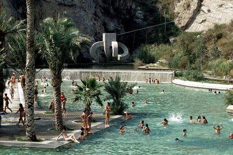 Que vous aimiez les piscines classiques ou insolites, vous trouverez forcément une adresse à votre goût dans notre palmarès de piscines à Barcelone.