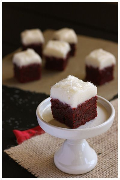 sparkly red velvet brownie bites... I'm soo making these tomorrow!