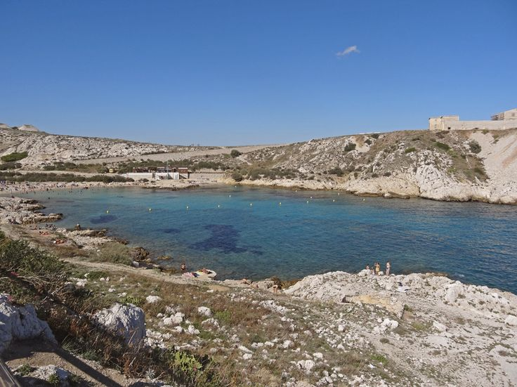 www.aprettyidea.com - Frioul islands - Saint Estève beach