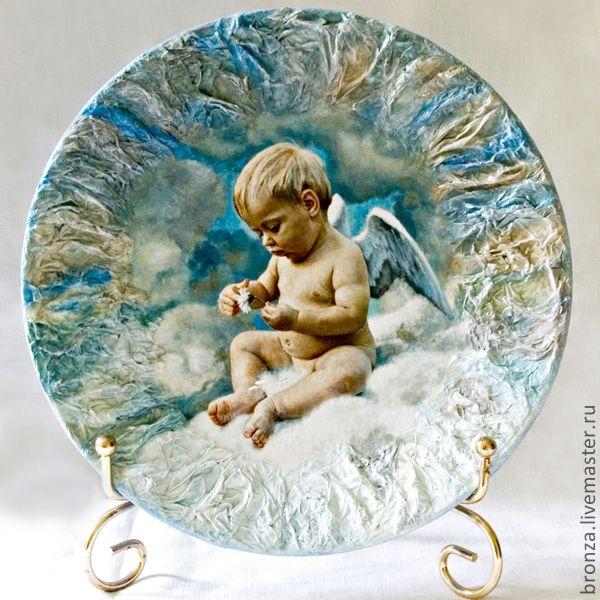 http://cs1.livemaster.ru/foto/large/72f7481957-posuda-dekorativnaya-tarelka-potseluj-angela-n1984.jpg