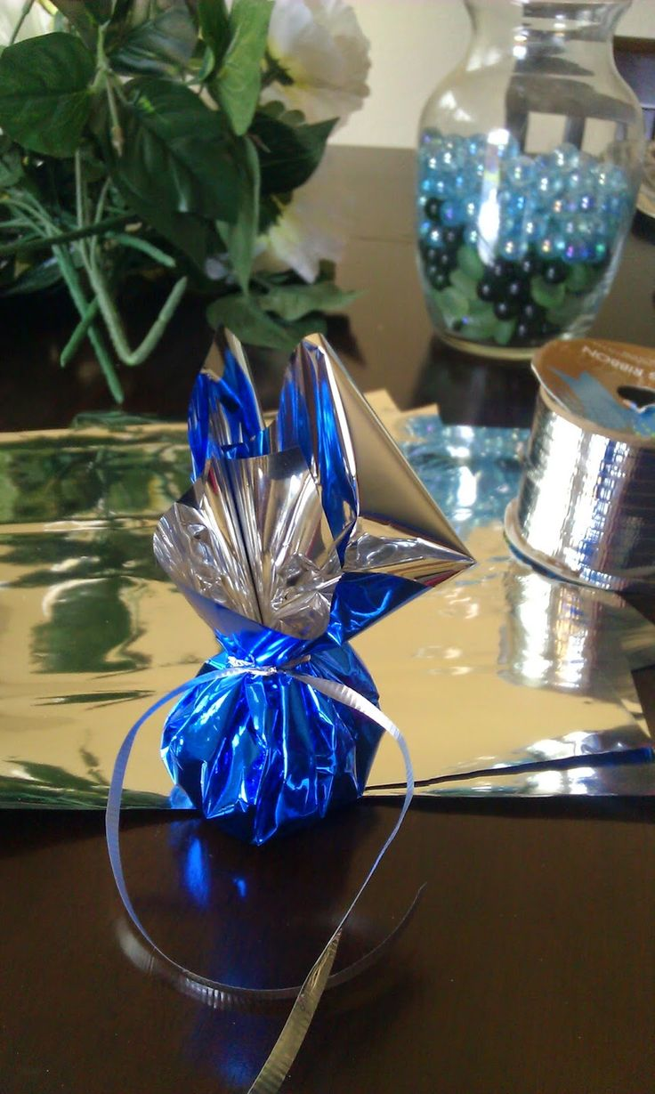 Out of the blue diy balloon weights th wedding