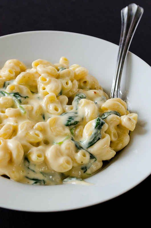 Creamy White Cheddar Macaroni and Cheese